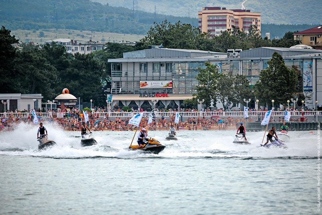 Карнавал на воде 2015 в Геленджике фото 10