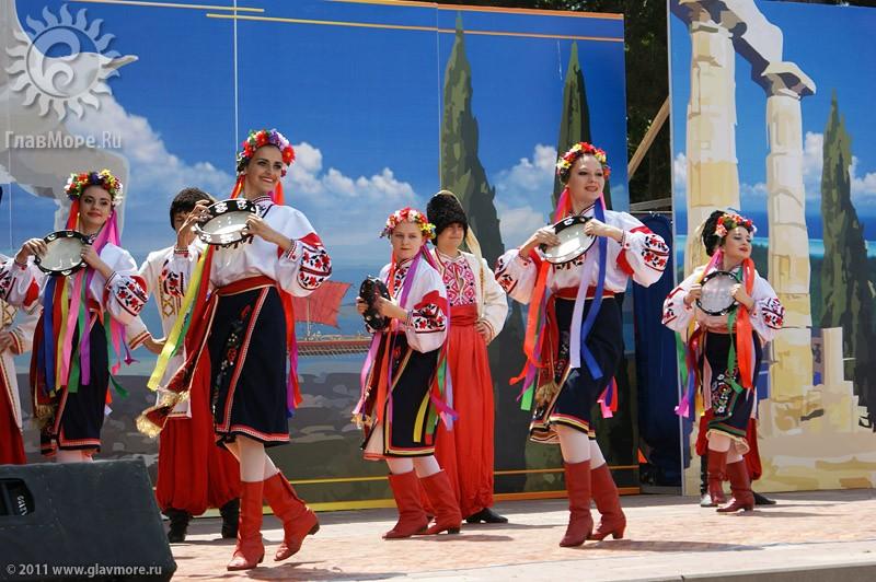 Мероприятия в день открытия сезона в Геленджике