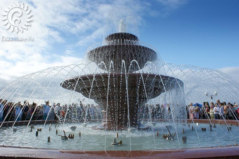 Новый фонтан в Геленджике фото 5