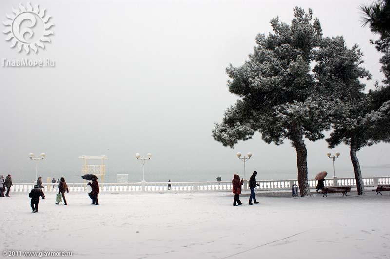 Геленджик завалило снегом фото 25