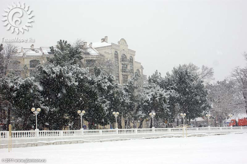 Геленджик завалило снегом фото 18