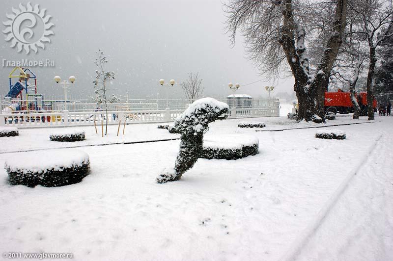 Геленджик завалило снегом фото 12