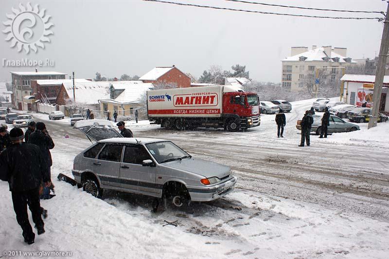 Геленджик завалило снегом фото 40