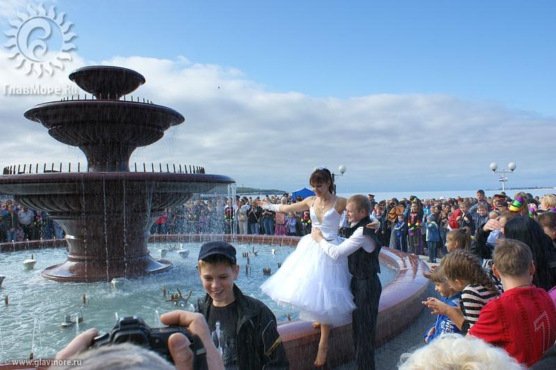 Новый фонтан в Геленджике фото 4