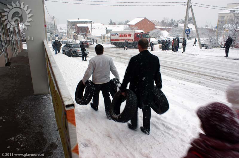 Геленджик завалило снегом фото 41
