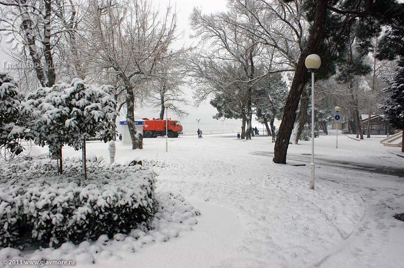 Геленджик завалило снегом фото 7