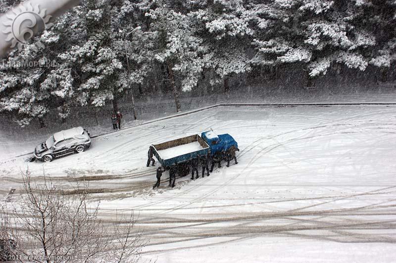 Геленджик завалило снегом фото 43