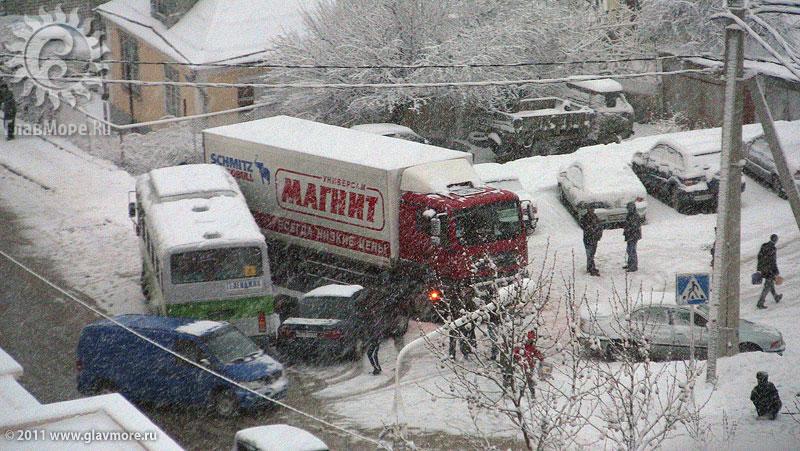 Геленджик завалило снегом фото 46