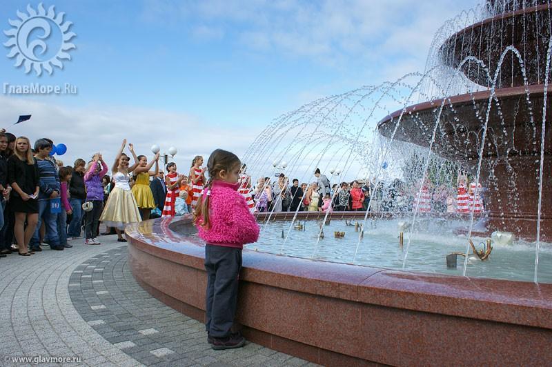 Новый фонтан в Геленджике фото 10
