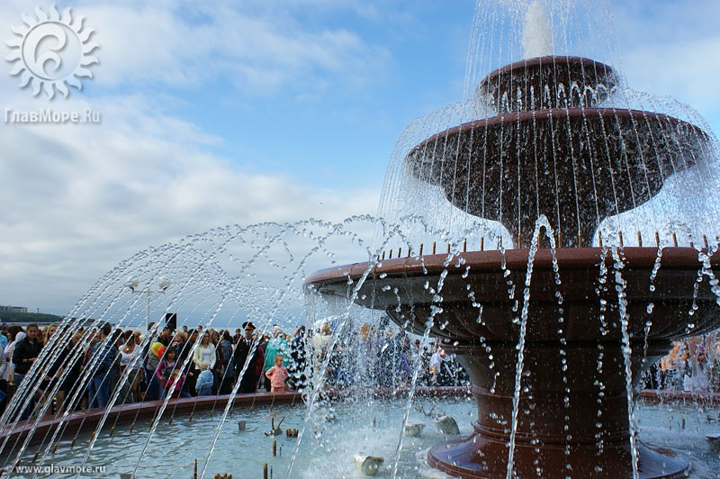 Новый фонтан в Геленджике фото 12